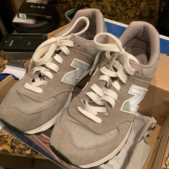 New Balance Shoes - Grey New Balance Classics 574